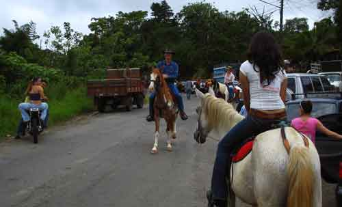 trail riding cabalgata