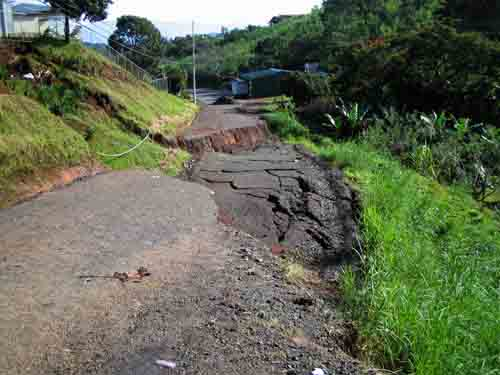 Costa rica mountain road hazards 2